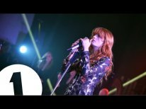 """Florence + The Machine covers Skrillex and Diplo's """"Where Are Ü Now"""" with Justin Bieber"""